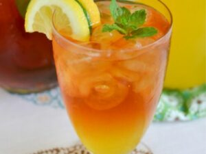 tasty dishes from mangoes| iced tea
