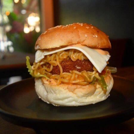 best ways to redefine maggi  maggi burger